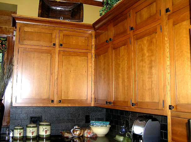 Troyer_Kitchen1_op_608x454